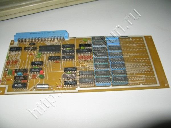 Блок дополнительной памяти 512 КБ для «Поиск» — 16-разрядного персонального компьютера, альбом Из истории компьютерной техники.
